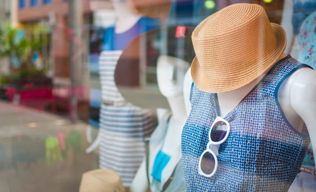 8 MOST EFFECTIVE VISUAL MERCHANDISING DISPLAYS THAT STANDS OUT